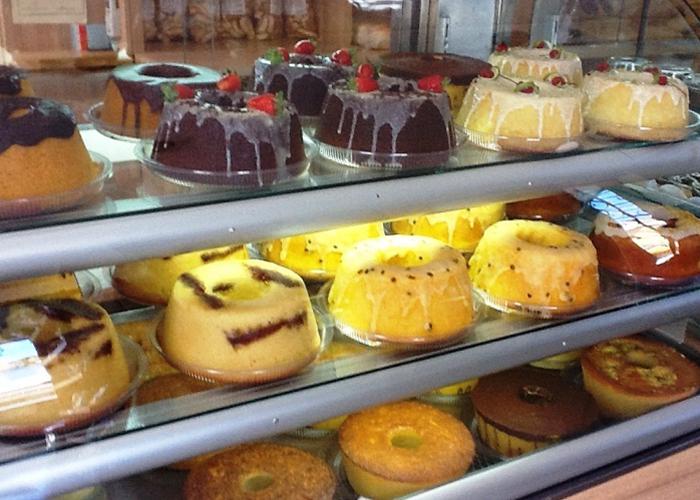 Pães doces e bolos